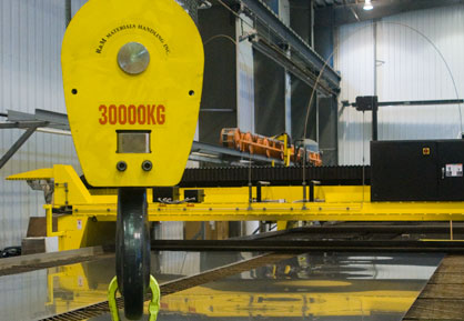 Profile cutting crane facility